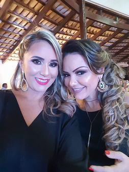 A Primeira Dama de Água Azul Simary Abreu com Damiana Lacerda.