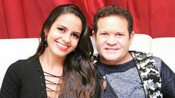 Ximbinha aparece com a esposa na mesma mansão em que viveu com Joelma
