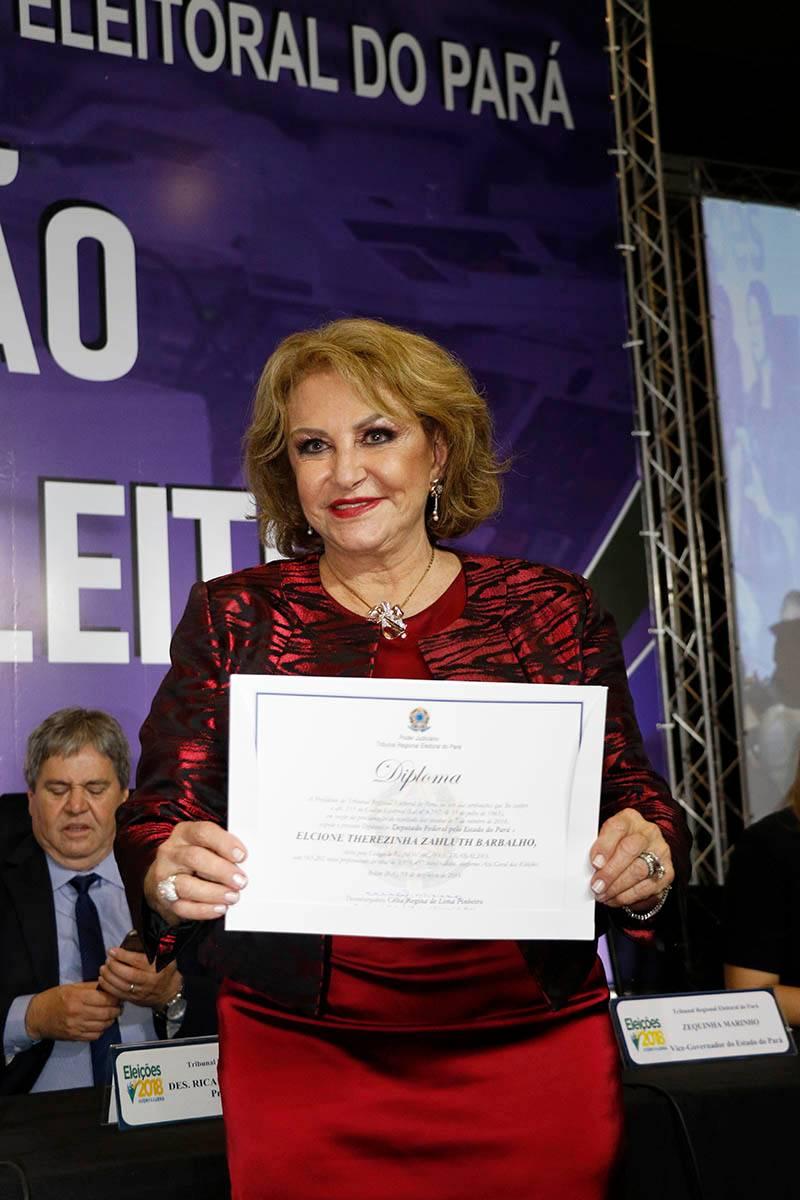 TRE realiza cerimônia de diplomação de parlamentares