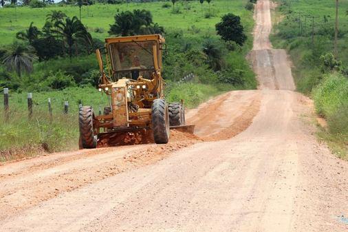 Prefeitura Municipal de Água Azul do Norte Iniciou a recuperação das estradas da região Nova Canadá