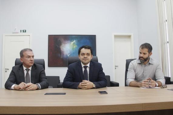 PGE discute suspensão das atividades da Hydro