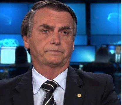 Bolsonaro diz que brasileiro não merece ser governado 'de dentro da cadeia'