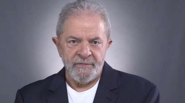 Lula: 'Pode ter igual, mas nesse país não tem ninguém melhor do que nós'