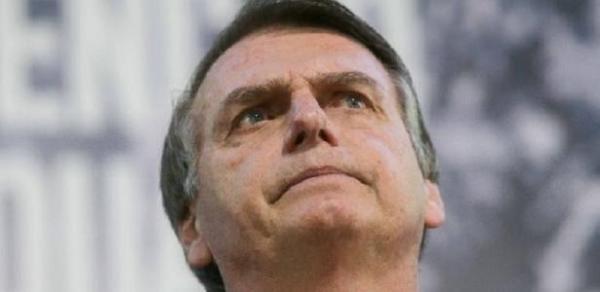 Agência nega elo com Bolsonaro, mas diz não controlar mensagem via WhatsApp