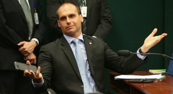 Se falou em fechar STF, precisa de psiquiatra, diz Bolsonaro