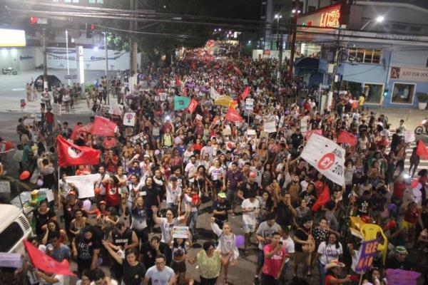 Multidão participa de segunda manifestação contra o candidato Jair Bolsonaro em Belém