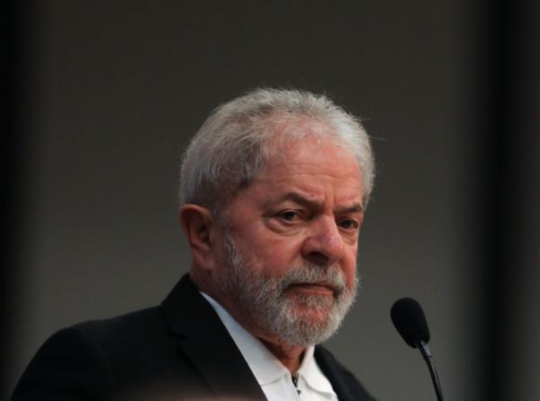 'Retrocesso sem precedentes', diz Lula sobre ministérios de Bolsonaro