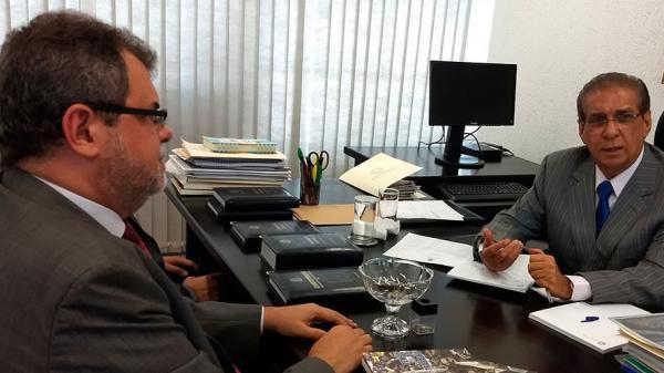 Jader quer apoios para ajudar as universidades federais do Pará