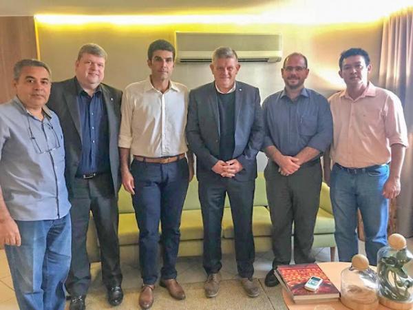 Helder assegura futuros investimentos no Pará com projetos da empresa Hydro