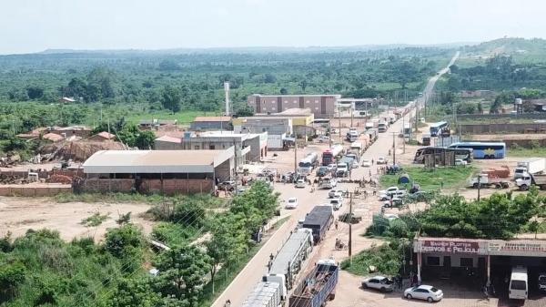 Protesto interdita BR-155 contra operação da PF que desarticulou extração ilegal de manganês