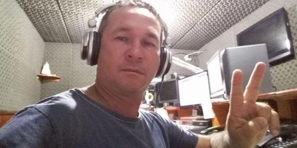 Polícia busca mandantes de assassinato de radialista