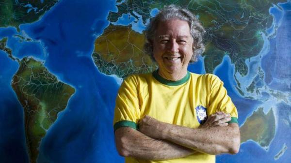 Morre Aldyr Schlee, criador da camisa da seleção brasileira