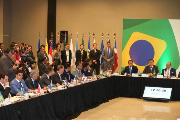 Helder Barbalho defende compensação da Lei Kandir durante Encontro de Governadores Eleitos em Brasília