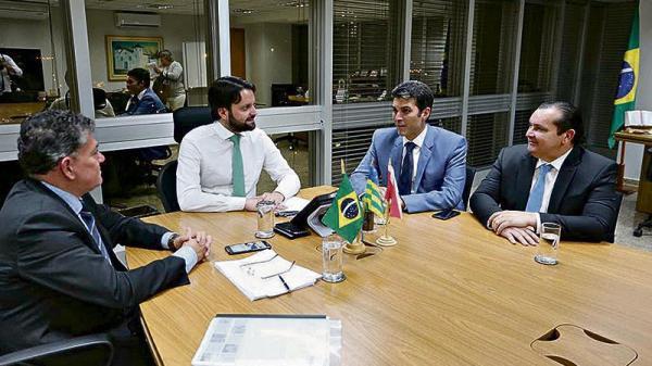 Helder assegura parcerias para seu plano de governo
