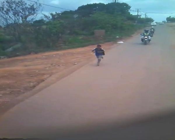 Tucuruí: Prefeitura afasta servidora que expulsou aluno de ônibus escolar. Veja abaixo o vídeo)