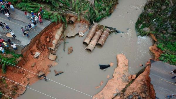 Jader Barbalho pede urgência na recuperação em via destruída após fortes chuvas