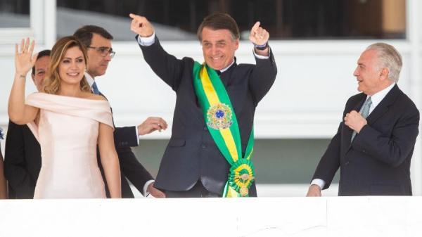 Vamos libertar povo do socialismo e do politicamente correto, diz Bolsonaro