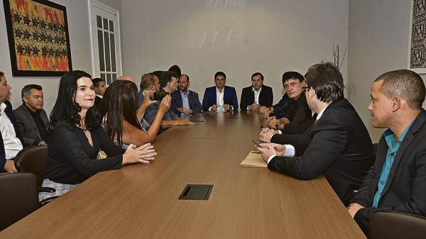 Helder, Vale, deputados e Rodrigo Maia discutem medidas para beneficiar o Pará