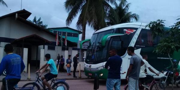 Tiroteio durante assalto a ônibus assusta passageiros que vinham de Baião