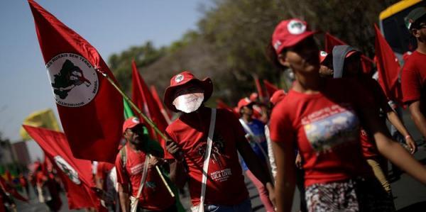 Governo brasileiro vai combater invasões de trabalhadores sem-terra, diz secretário