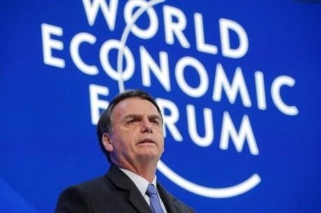 Em Davos, Bolsonaro diz que abrir economia é compromisso do país