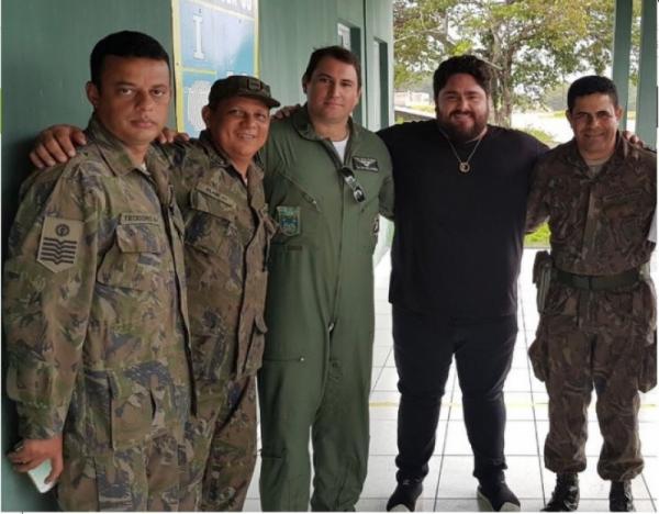 Avião de César Menotti sofre pane e faz pouso de emergência no Pará