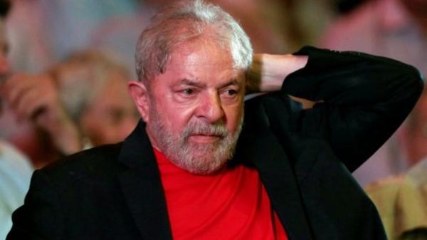 Lula é condenado a 12 anos por corrupção e lavagem de dinheiro no Sítio de Atibaia