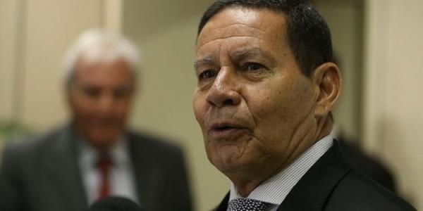 Mourão aconselha CUT a discutir reforma no Congresso