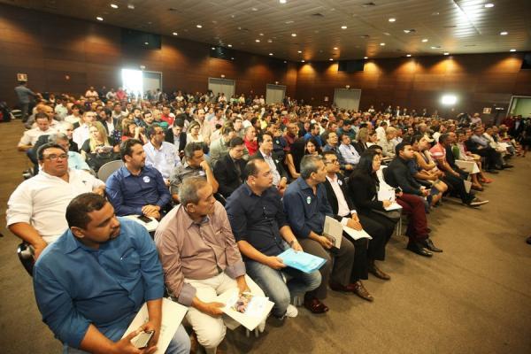 Gestores municipais comemoram avanços durante Fórum Permanente