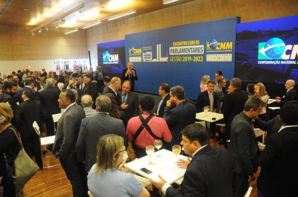 Famep em Brasília: Parlamentares se comprometem com a pauta dos Municípios