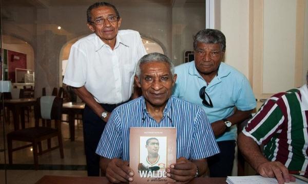 Maior artilheiro da história do Fluminense, Waldo morre aos 84 anos