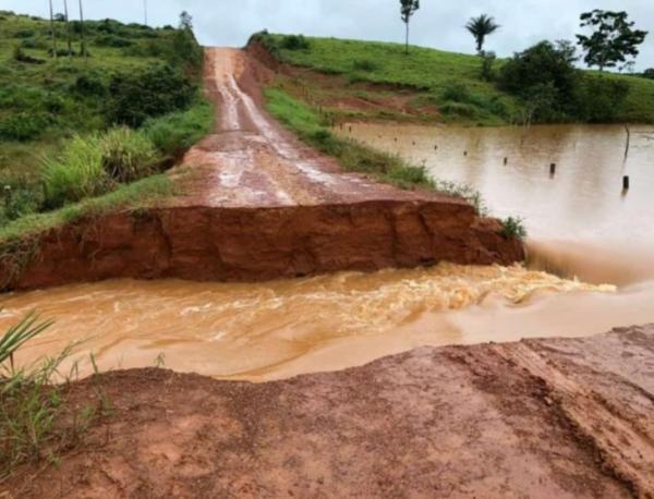 São Félix do Xingu: Moradores das vilas Suldoeste e Lindoeste estão isolados devida as últimas chuvas.