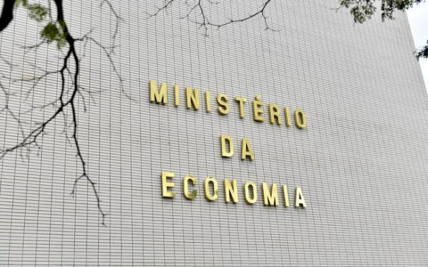 Bolsonaro extingue 21 mil cargos, funções e gratificações no governo federal; economia de R$ 195 milhões