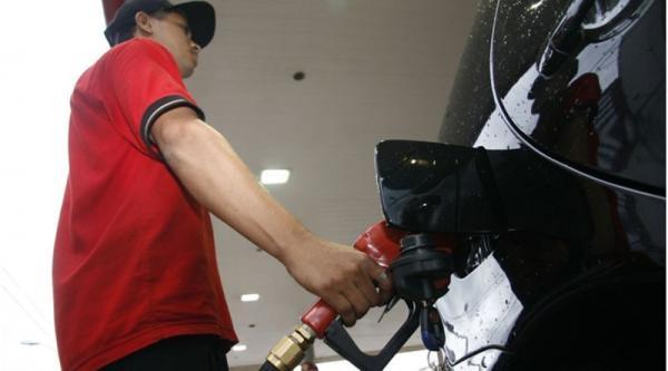 Em 42 dias, Petrobras aumentou 21,53% preço da gasolina, diz Sindicombustíveis