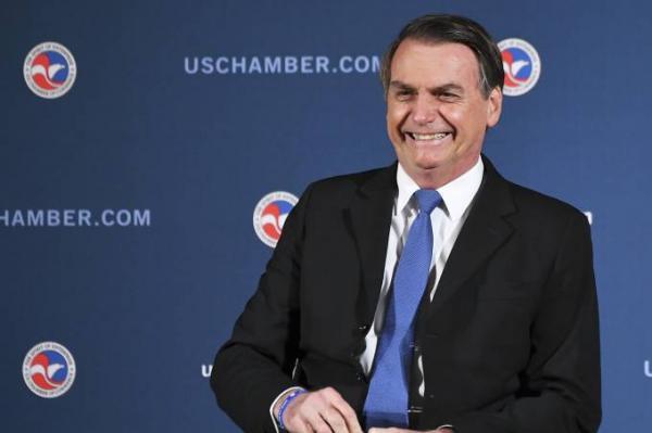 Bolsonaro quer 'tirar do Estado' tudo que puder ir para iniciativa privada