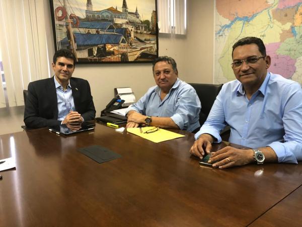 São Félix: Helder recebe lideranças e garante pleitos para o município