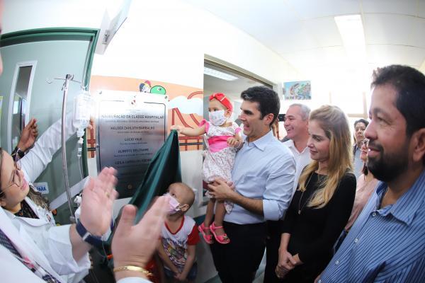 Ao lado de pacientes, o governador inaugurou a classe hospitalar do hospital, que passa a atender os pacientes em idade escolar internados para tratamento Foto: Marco Santos / Ag. Pará