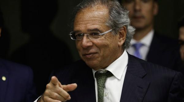 Guedes: Governo suspenderá salário de servidores caso reforma da Previdência não seja aprovada