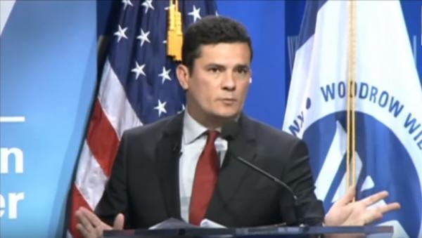 Deputados do PSOL querem explicação de Moro sobre visita à CIA