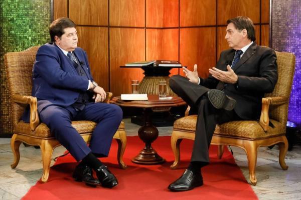 Bolsonaro e Datena durante entrevista