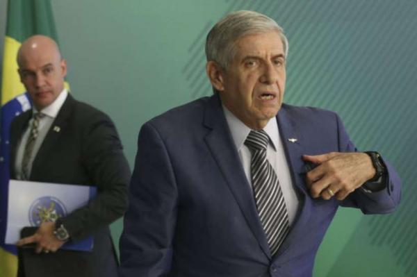 Em Israel, general Heleno se irrita com perguntas sobre palestinos e Lula