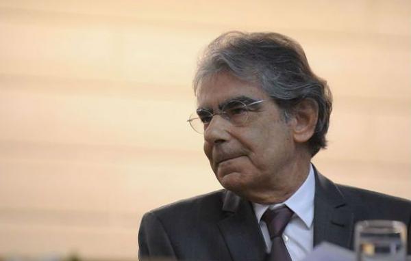 Ayres Brito: entendo que mesmo preso é possível sim Lula ser candidato.