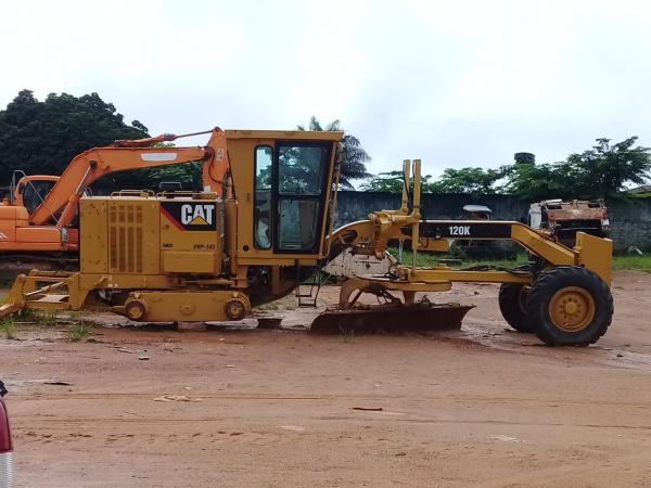 São Félix do Xingu: Estradas intrafegáveis e maquinário parado há mais de quatro meses (veja fotos e vídeos)