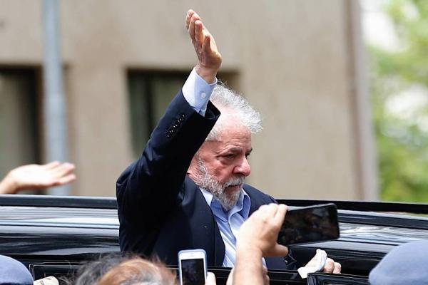 Supremo autoriza entrevistas com ex-presidente Lula na prisão