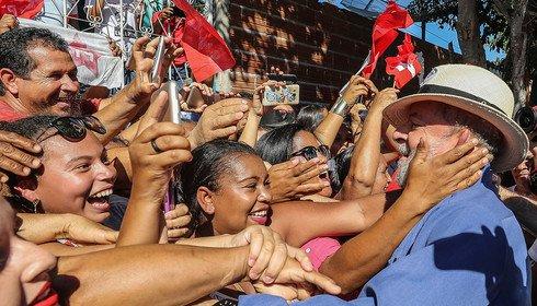 Mesmo condenado, Lula é preferido de 33%, revela pesquisa