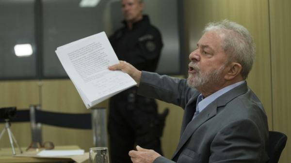 Lula diz querer