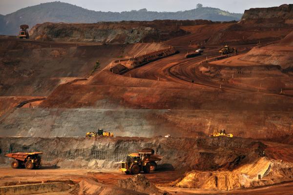Vale realiza obras para conter lama da barragem de Cocais