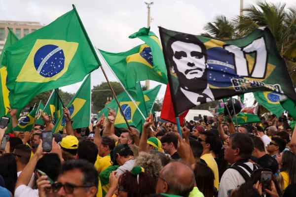 Presidente do PSL diz que é sem sentido a manifestação de domingo pró-Bolsonaro