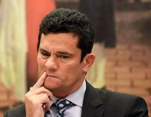 Irredimível, Moro tem de pedir demissão já que Bolsonaro não pode demiti-lo