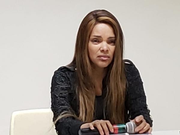 Flordelis concede entrevista coletiva para falar do assassinato de seu marido
